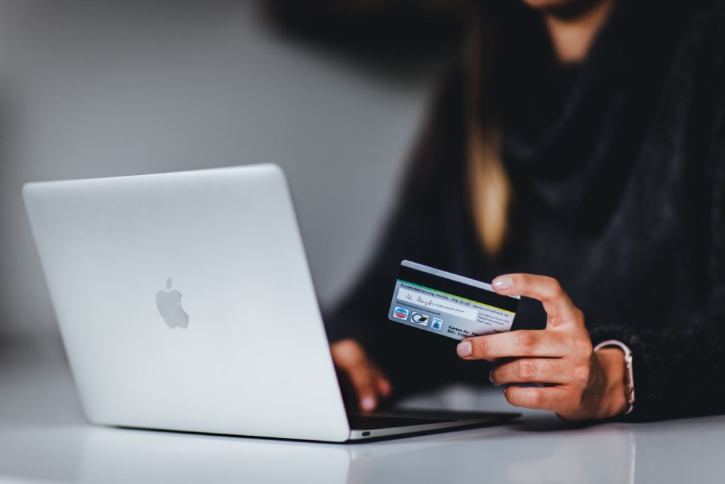 multiple channels retailing